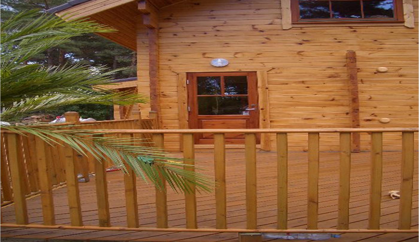 Finestam Log Cabin